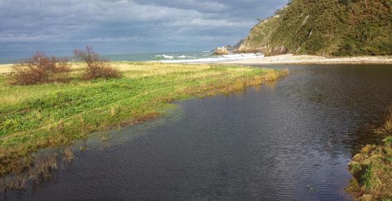 Rio Esqueiro desembocadura playa de San Pedro